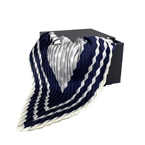 Plisseret silketørklæde navy og hvid