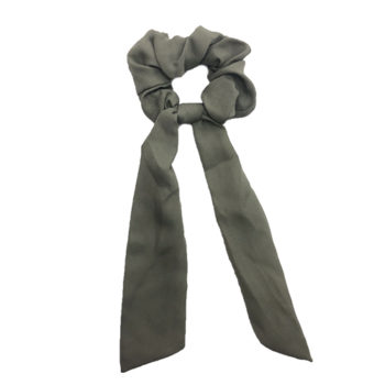 Scrunchie med lange haaler dusty green
