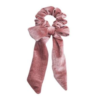 scrunchie med lange haler i rosa velour