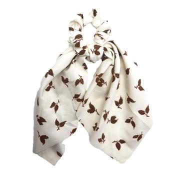 Scrunchie med tørklæde råhvid med beige bomster