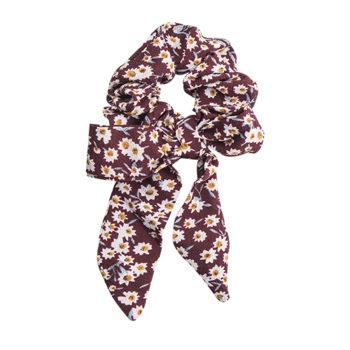 Scrunchie med lange haler bordeaux med hvide blomster