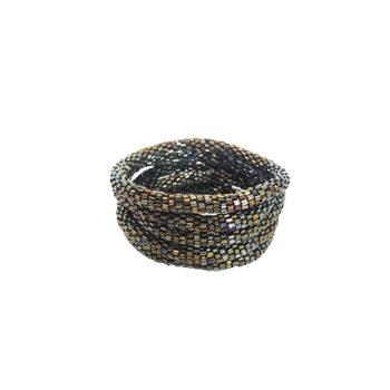 Nepal armbånd i mørkebrune firkantet perler med en masse glans