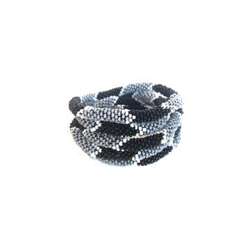 Napal armbånd i grå, sort med hvide detaljer