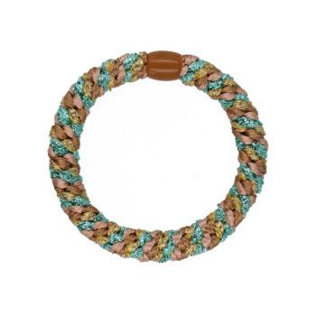 produkt billede af flettet hårelastik i beige, glimmer blå og guld med en plastik perle i brun