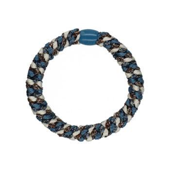 Produktbillede af flettet hårelastik med perle i multifarvet mørkeblå og råhvid