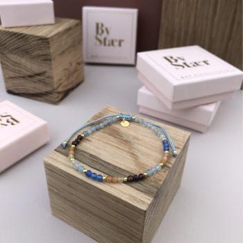 Produktbillede af Maja armbånd i blåt mix med sten
