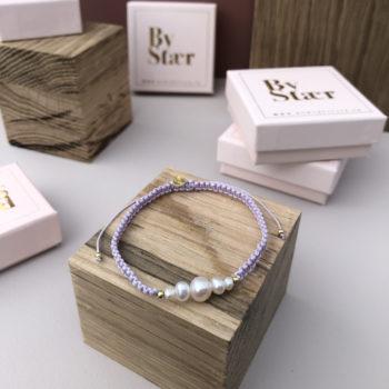 produkt billede af Maria armbånd med ferskvandsperler i lilla