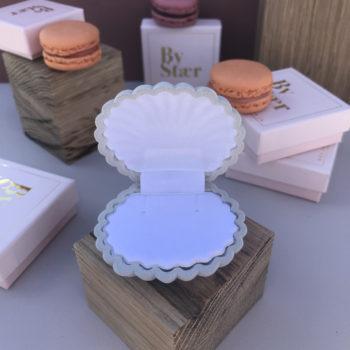 produktbillede af shell box smykkeæske i gråt velour