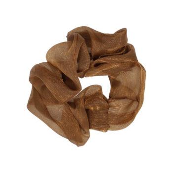 Nora Scrunchie mellem i farven brun, satin look