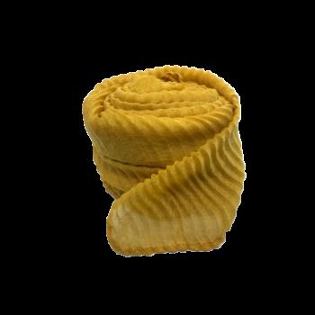 Nila tørklæde i farven karry med strukturmønster