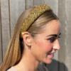 Hårbøjle bred med glitter sten i farven guld