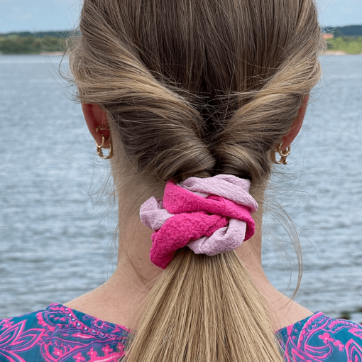 scrunchie-pink:lyserød